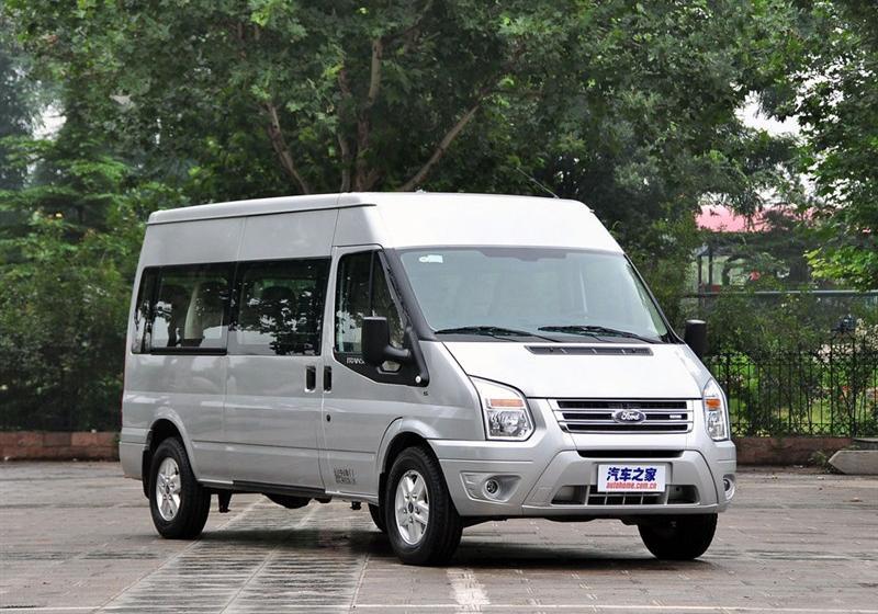 2013款2.4T柴油普通型加长轴高顶国IV