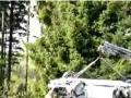 撞的稀巴烂 实拍奥迪A8赛道严重事故